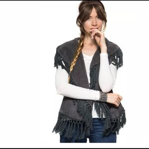 She + Sky Womens Charcoal Grey Lined Fringed Vest